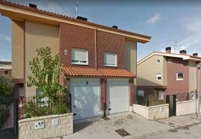 Chalet pareado en calle La Encina, nº 6